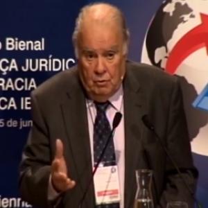 Conferencia plenaria: Dr. Enrique Iglesias García (Secretario General Iberoamericano, Uruguay)